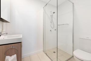 A bathroom at Arise on Hope Street