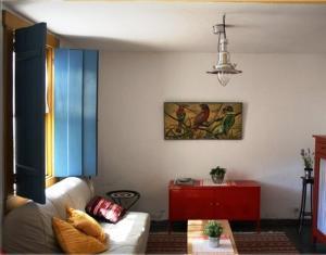 A seating area at Minha Casa