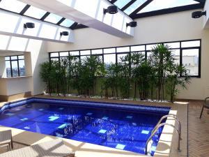 A piscina localizada em Higienópolis Flat ou nos arredores