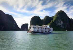 HaLong Canary Cruise