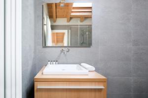 Ein Badezimmer in der Unterkunft Casa Bianca Apartments
