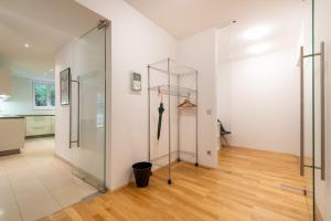 A bathroom at Apartments Wien - Schwarzenbergplatz