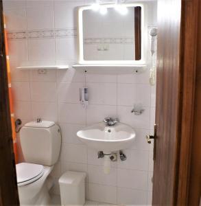 A bathroom at Grammatoula
