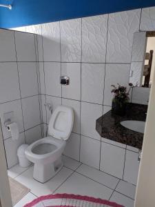 A bathroom at Casa para temporada Bonito MS