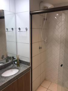 Um banheiro em Laguna Beach Flat