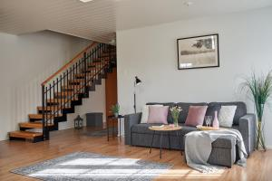 A seating area at Apartments in Porvoo
