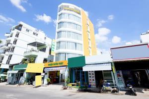 OYO 349 Thuan Buom Phat Hotel