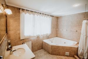 Un baño de Las Asturianas