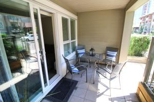 A balcony or terrace at Waterscapes Resort by Discover Kelowna Resort Accommodations