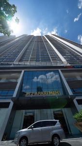 Lakeview Metropolis Apartment