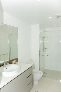 A bathroom at Fantastic Ocean View Suite by Hostrelax GCRDW5P3