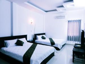 Phong Luu Hotel