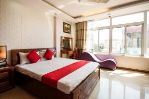 OYO 434 Hoang Long Hotel