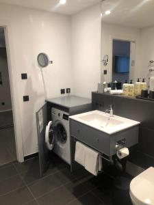 Un baño de Timehouse Serviced Apartments