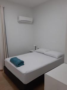 Cama o camas de una habitación en Apartamento Ilha dos Patos Ingleses Beira da Praia.