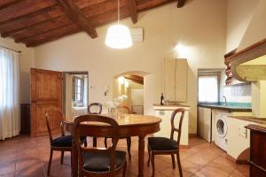 A kitchen or kitchenette at Palazzo Belfiore