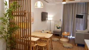 Cosy Home Luxury Vinhomes Green Bay Me Tri