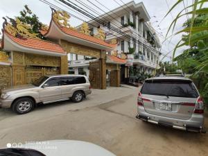 Khách sạn tứ Phương