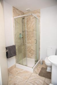 A bathroom at Cheap Accommodation close to Dublin city Center and Dublin Airport