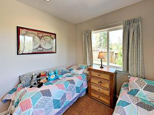 A bed or beds in a room at New Listing! Mountain-View Eden W/ Spacious Balcony Home