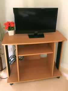 TV o dispositivi per l'intrattenimento presso Sangtong Resort แสงทองรีสอร์ท