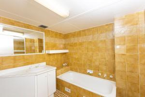 A bathroom at Sandbar, Unit 402, 1-3 Head Street