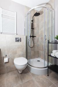 Salle de bains dans l'établissement Rent-Apart Fabryczna