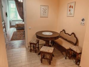 A seating area at Apartment on Stavropigijska Street