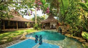 The swimming pool at or close to Villa Bhuvana