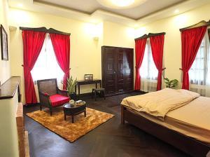 BaoDai Homestay - Old Villa