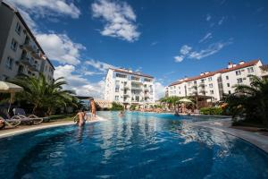 The swimming pool at or near Apart Hotel Imeretinskiy - Morskoy Kvartal