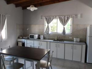 Una cocina o kitchenette en Cedro Del Pinar