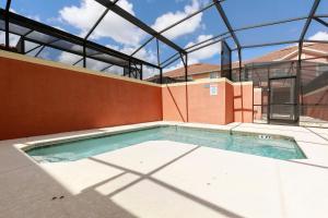 The swimming pool at or close to Paradise Palm Resort Villa