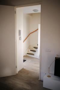 Salle de bains dans l'établissement Locals Apartment Katwijk