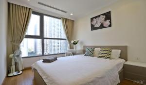 Colorful Apartment 2BR- Vinhomes Times City/ Park Hill