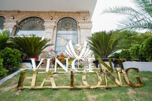 Vincent Halong Hotel