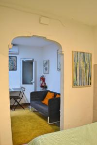 Ein Sitzbereich in der Unterkunft Studio Low Cost Lavapies