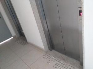 A bathroom at AP BAIRRO DA TORRE RECIFE