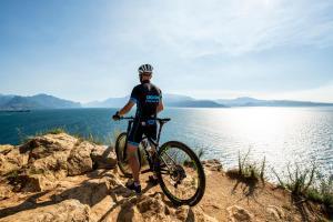 Biking at or in the surroundings of Residence Onda Blu