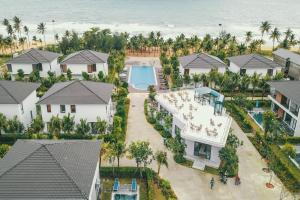 AT Beachfront Villa - 3 BR - Private Pool Phu Quoc Island