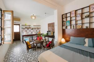 Lại Đây Homestay - Fantastic Flat in Old Quarter Hanoi