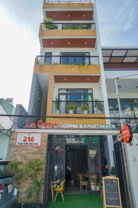 La Que's Apartments