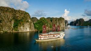 Heritage Line - Ylang Cruise