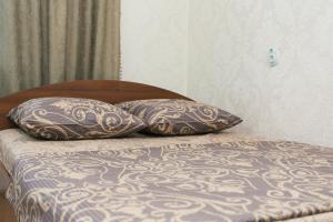 Кровать или кровати в номере Flat neer Manufaktura on Kharkovskaya 2 floor