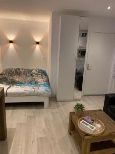 Een bed of bedden in een kamer bij Blissiebeachhouse