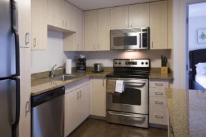 Una cocina o zona de cocina en Stay Alfred on Washington Street