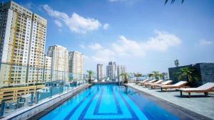 Blue Arch - The C Suite Hotel Thao Dien