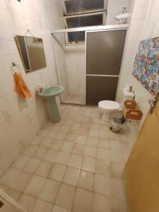 A bathroom at Apartamento 2/4 Para Carnaval