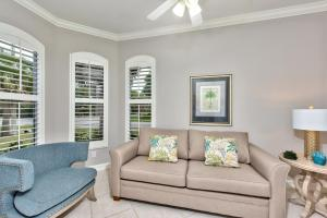 A seating area at Neapolitan Vacation Rental