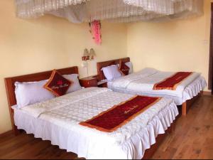 Khách sạn Lotus